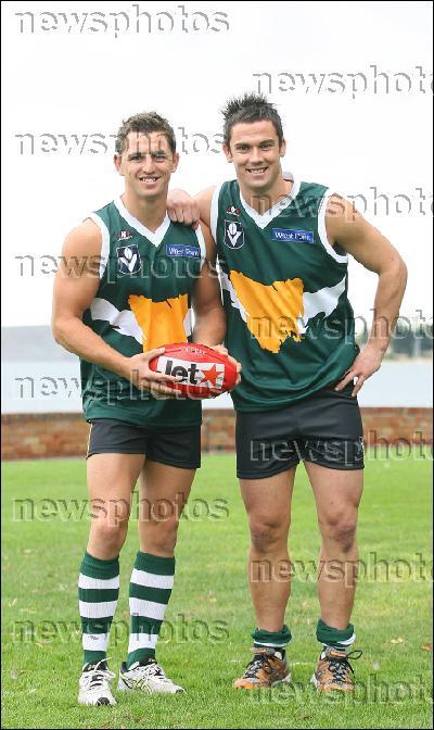 07 Co-Captains Scott Stephens and Brett Geappen.jpg