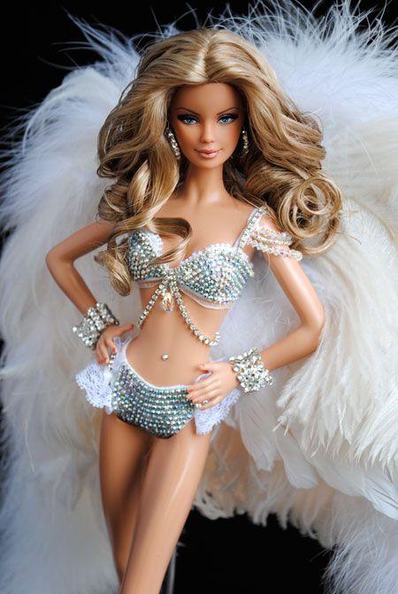 7f4cdb1ad156a3fdc7fdec51dde68bf1--victorias-secret-models-victoria-secret-fashion-show.jpg