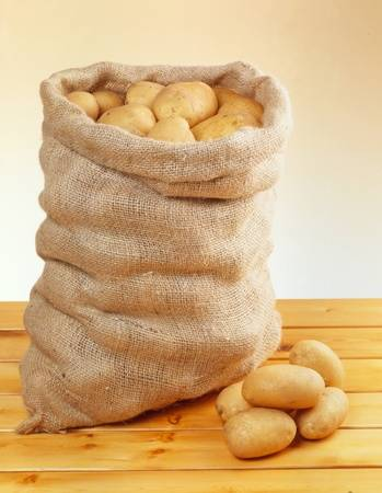8270179-sack-of-potatoes.jpg