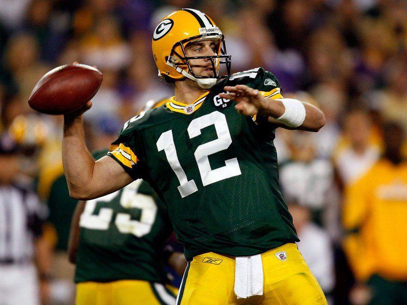 Aaron-Rodgers-throwing-the-football.jpg