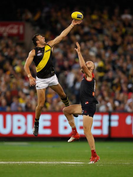 Max+Gawn+Toby+Nankervis+AFL+Rd+5+Melbourne+HWcF9IJzquBl.jpg