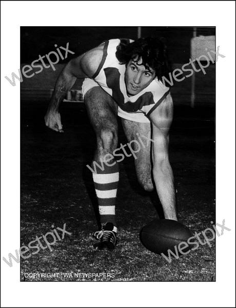 twa-0100781-South-Fremantle-footballer-Joe-McKay.jpg